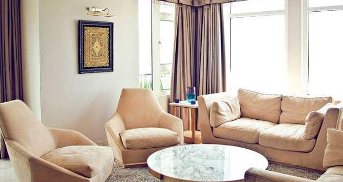 Phòng khách với nội thất cao cấp được thiết kế theo phong cách cổ điển