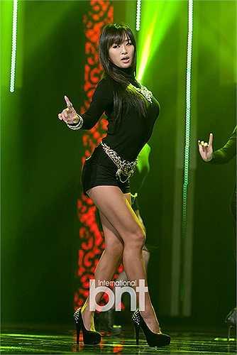 Hyorin nhóm Sistar lăm le soán ngôi nữ hoàng gợi cảm K-Pop