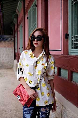 Minh Hằng ngày càng thành công trong sự nghiệp, cô liên tục chạy show.