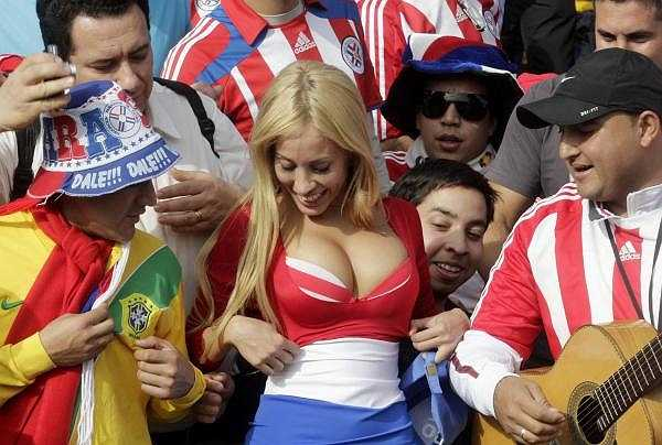 Ở lượt trận cuối, Paraguay cầm hòa đương kim vô địch Uruguay với tỷ số 0-0. Thành tích đáng nể của thầy trò Ramon Diaz có sự tiếp lửa rất lớn từ khán đài.
