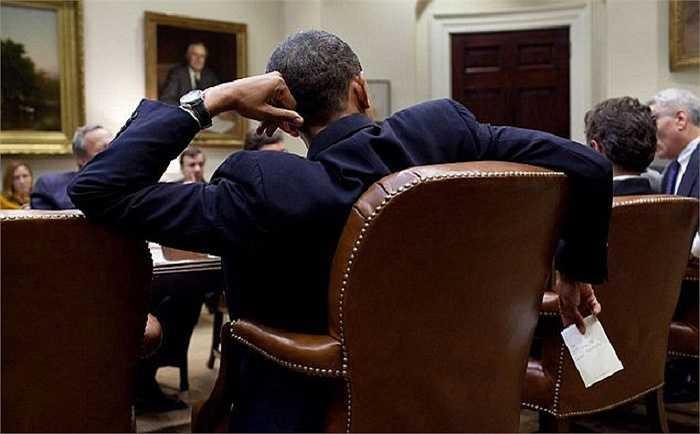 Một kiểu ngồi hiếm gặp ở các nhà lãnh đạo