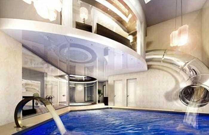 Chiếc máng trượt đưa thẳng người từ phòng ngủ tới bể bơi tuyệt đẹp.