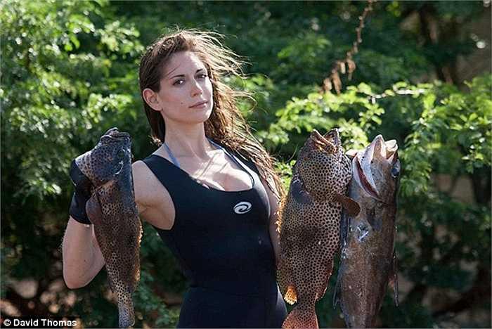 Valentine nói cô chỉ săn những loài cá cô có thể nấu ăn