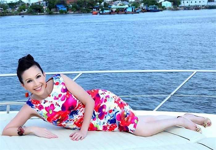 Ngoài ra, Diễm My còn sở hữu du thuyền có trị giá lên đến 2 triệu USD.