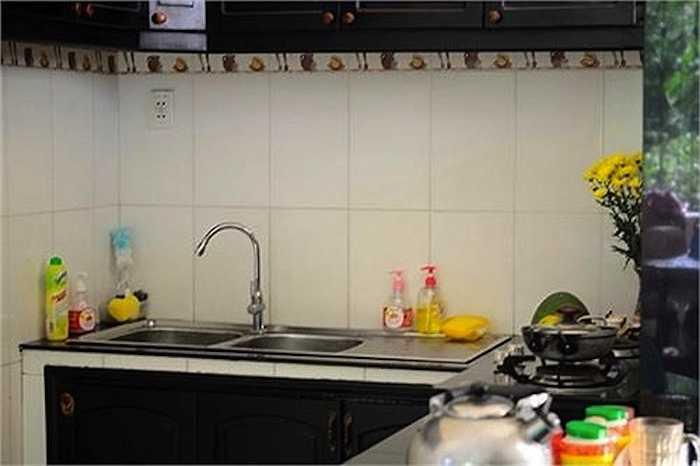 Gian bếp được thiết kế đơn giản và không có quá nhiều nội thất trưng bày.