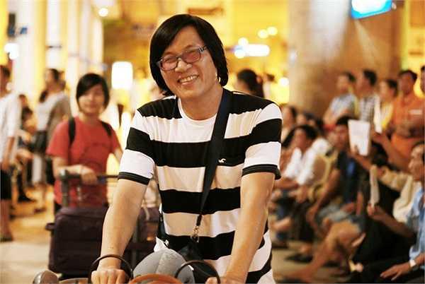 Chia sẻ về cảm giác ngay khi về đến Việt Nam, nhạc sĩ Ngọc Lễ cho biết: 'Lần nào về Việt Nam, Ngọc Lễ cũng có nhiều cảm xúc, bởi được về thăm mẹ, thăm người thân và bạn bè thân yêu.'