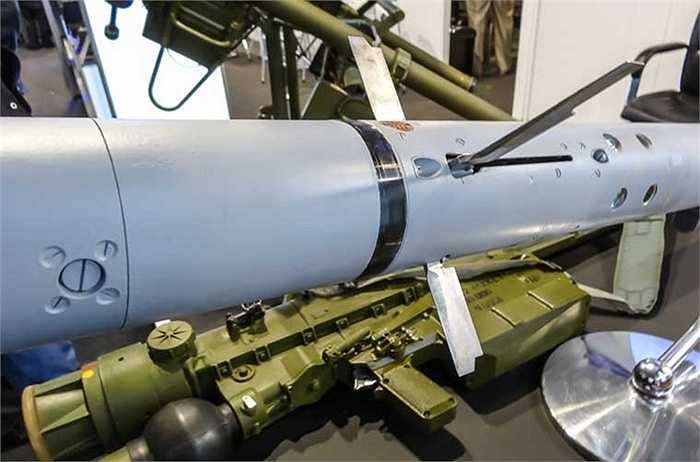 Loại tên lửa này chính thức được chấp nhận biên chế trong Quân đội Nga từ năm 2004 và được xuất khẩu rộng rãi cho nhiều quốc gia trên thế giới, một số nguồn quốc tế ghi nhận, Việt Nam cũng sở hữu loại tên lửa này trong biên chế