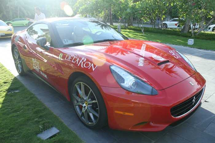 Bản thân Đỗ Bình Dương sở hữu một siêu xe, đó là chiếc Ferrari California màu đỏ đời 2010. Được biết sau nhiều tháng đặt hàng từ Mỹ, cuối năm 2010, siêu xe Ferrari California của Đỗ Bình Dương đã cập cảng Hải Phòng và nhanh chóng được vận chuyển lên Hà Nội.