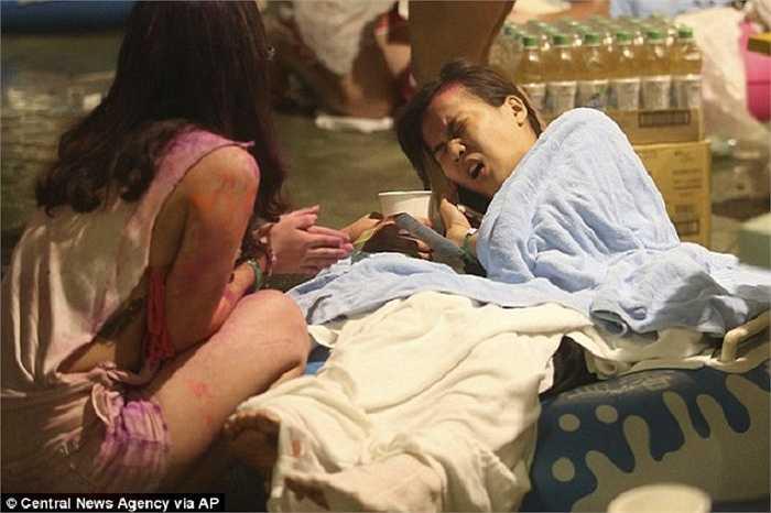 Nạn nhân đau đớn vì bị bỏng trong vụ cháy