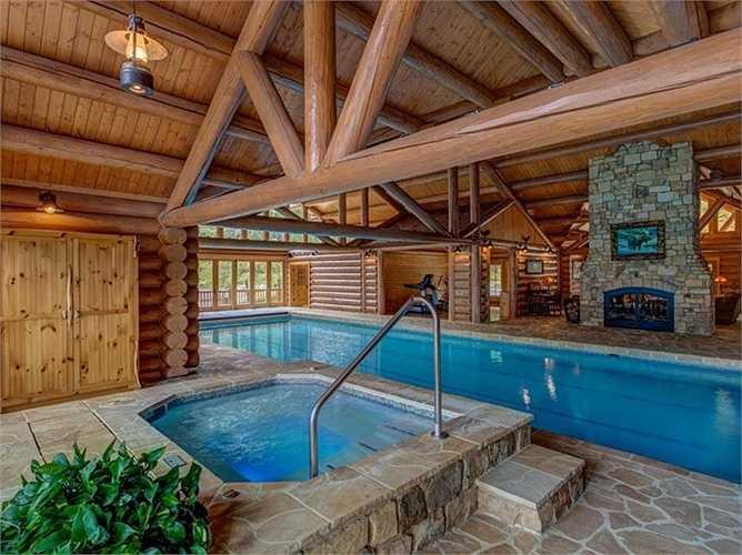 Ở đây, bạn có thể bắt đầu buổi sáng của bạn bằng cách bơi lội trong hồ bơi 20x63