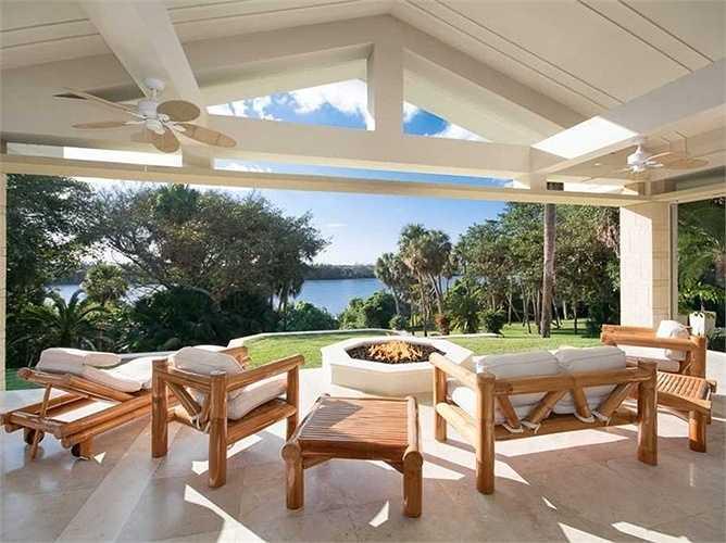 Khu nhà nghỉ dưỡng sát biển mát mẻ và thơ mộng
