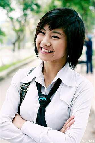 Lên sóng đầu tiên vào năm 2009, bộ phim sitcom Bộ tứ 10A8 gây nên một cơn sốt mới trong giới trẻ. Vào vai lớp trưởng Mai Lâm, Cao Dương Dương (SN 1988) là người có tính cách mạnh mẽ, cầu toàn và muốn được làm nhà lãnh đạo. Vai diễn này thu hút rất nhiều sự quan tâm của khán giả bởi không chỉ tài năng, đĩnh đạc, Mai Lâm còn sở hữu vẻ ngoài cá tính, khác biệt.
