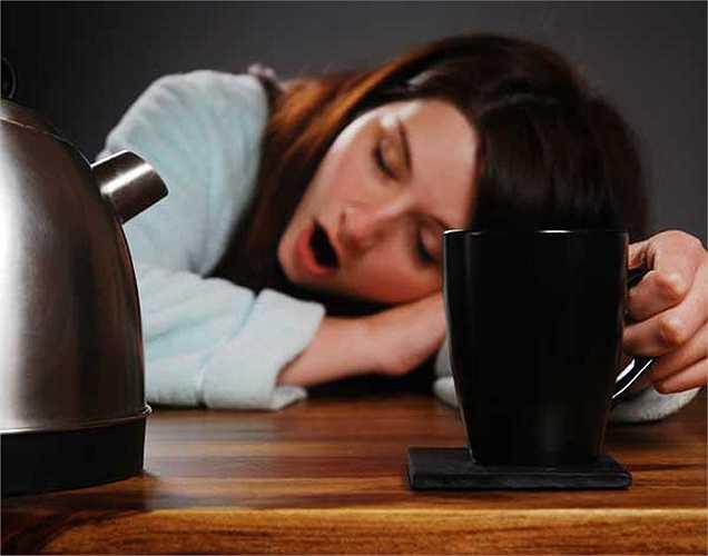 Thời gian ngủ nên nhất quán: Nghiên cứu cũng chỉ ra rằng ngủ và thức dậy vào đúng giờ mỗi ngày có thể giúp bạn duy trì trọng lượng cơ thể mà không có bất kỳ vấn đề gì.