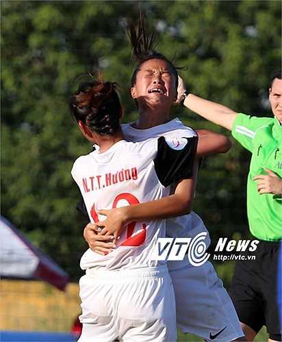 Chiều nay, U14 nữ Việt Nam bước vào trận chung kết U14 nữ Đông Nam Á gặp đại kình địch Thái Lan. (Ảnh: Phạm Thành)