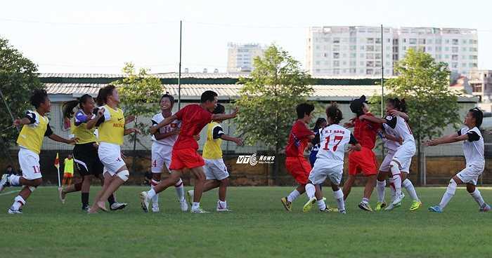 Kết quả cuối cùng, thầy trò HLV Nguyễn Tiến Minh chính thức giành ngôi vô địch U14 Đông Nam Á. (Ảnh: Phạm Thành)