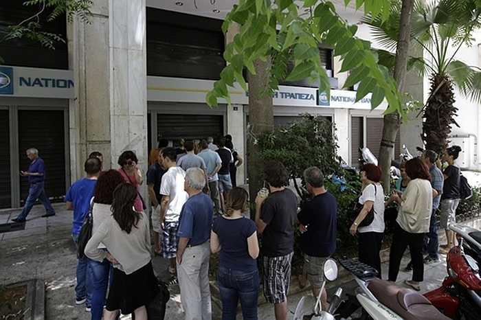 Theo thông báo, các ngân hàng Hy Lạp sẽ đóng cửa tới 6/7, hạn mức rút tiền tại ATM chỉ còn 60 Euro