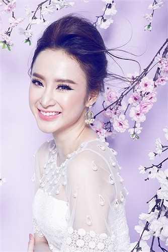 Nữ diễn viên 'Tiểu thư đi học' cũng hợp tác với những ekip tên tuổi để có được những bộ hình như ý muốn.