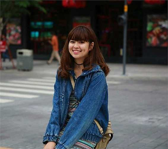 Khánh Vân rất thích vẽ và ca hát