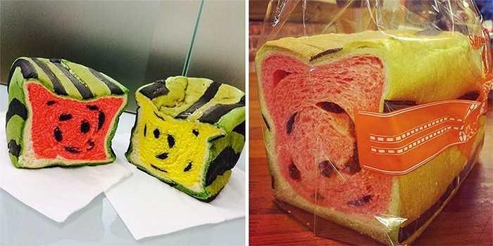 Theo chủ cửa hàng, thời điểm hè nóng bức là lúc bánh  mỳ tiêu thụ chậm hơn. Do đó, cửa hàng đã nghĩ ra một cách kết hợp sáng tạo giữa loại trái cây nhiều người chuộng vào mùa nóng là dưa hấu và bánh mì để trình làng sản phẩm độc đáo.
