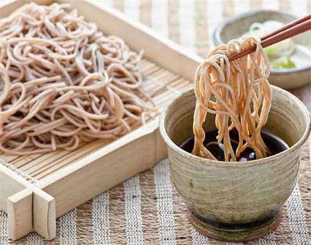 Mì lành mạnh: ở Nhật Bản mì ít chất béo và cũng có nhiều loại khác nhau. Chúng được làm bằng đậu và kiều mạch (mì soba).