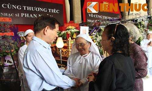 Nguyên Chủ tịch nước Nguyễn Minh Triết chia buồn cùng gia đình nhạc sĩ Phan Nhân.