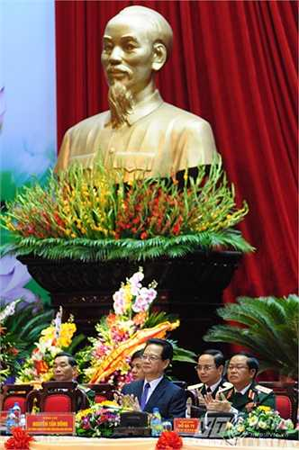 Trước đó, Thủ tướng Nguyễn Tấn Dũng có bài phát biểu tại Đại hội thi đua quyết thắng toàn quân lần thứ IX