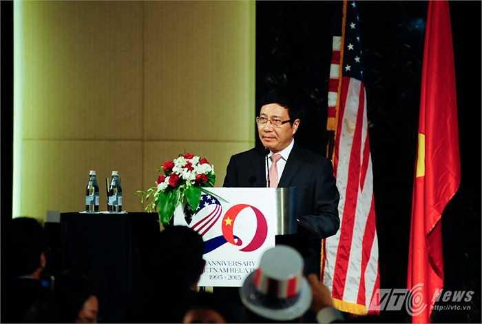 Đến dự lễ kỷ niệm 20 năm quan hệ Việt Mỹ và chuẩn bị cho Quốc khánh Mỹ còn có Phó Thủ tướng, Bộ trưởng Ngoại Giao Phạm Bình Minh