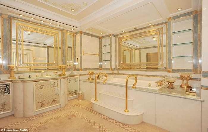 Dù được rao bán với giá 300 triệu bảng năm 2012 nhưng biệt thự vẫn không có người mua và hiện nó sắp được đem ra bán đấu giá. Phiên đấu giá sẽ diễn ra trong hai ngày tại một khách sạn ở Anh vào tháng 7 tới.
