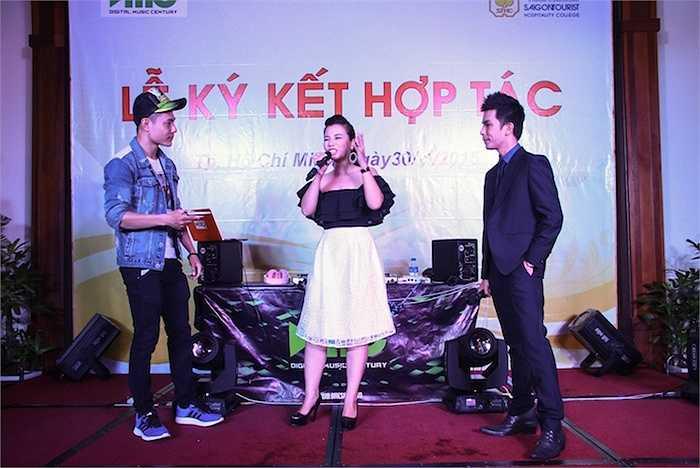 Vũ Phượng vẫn ăn rất ngon, hát rất hay, và diễn cảnh lãng mạn rất đáng yêu với Dương Lâm.