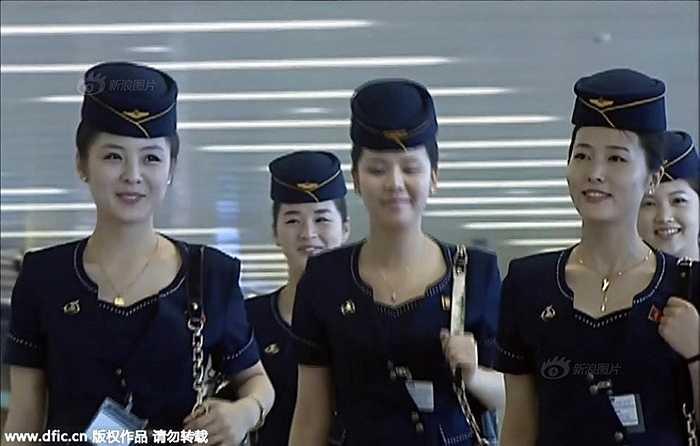 Những tiếp viên hàng không xinh đẹp