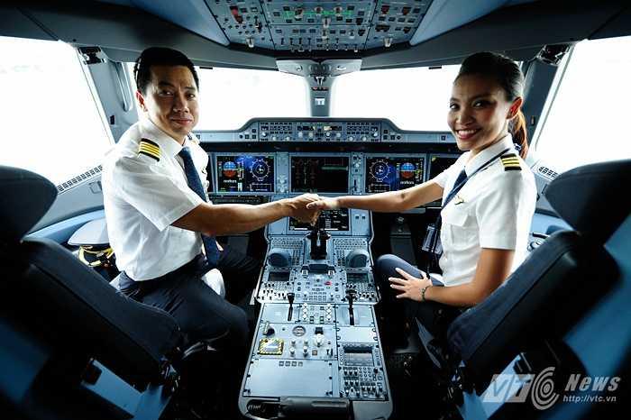 Những phi công rất hào hứng với tàu bay mới