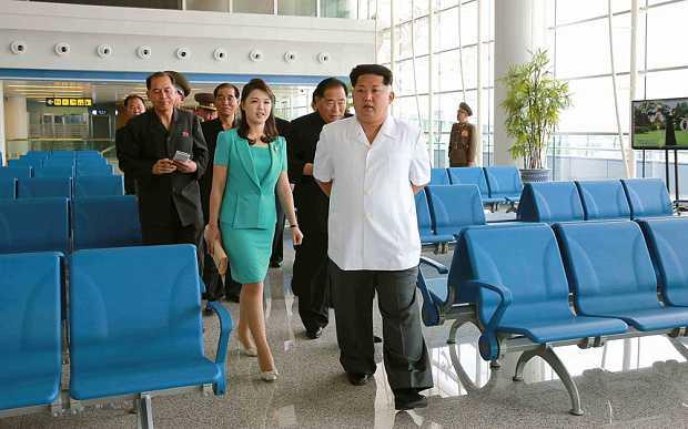 Hình ảnh mới về Chủ tịch Kim Jong-un khi đi thị sát sân bay Bình Nhưỡng