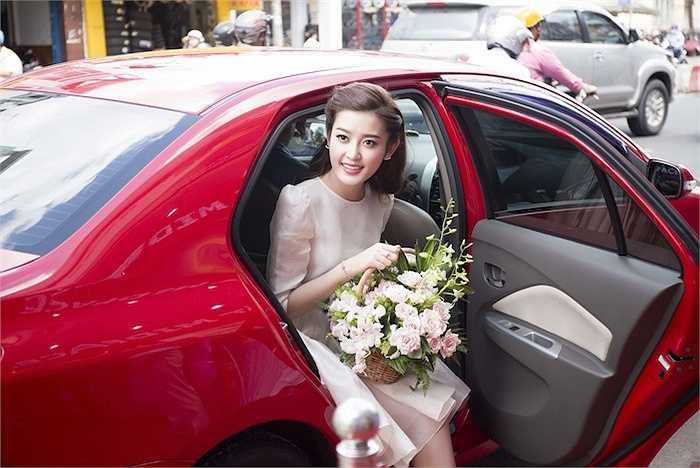 Huyền My vừa có mặt tại một sự kiện ra mắt nhãn hàng do cô làm đại sứ thương hiệu tại TP.HCM.