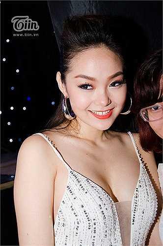 Cùng ngắm vẻ đẹp xinh xắn hiện tại của Minh Hằng:
