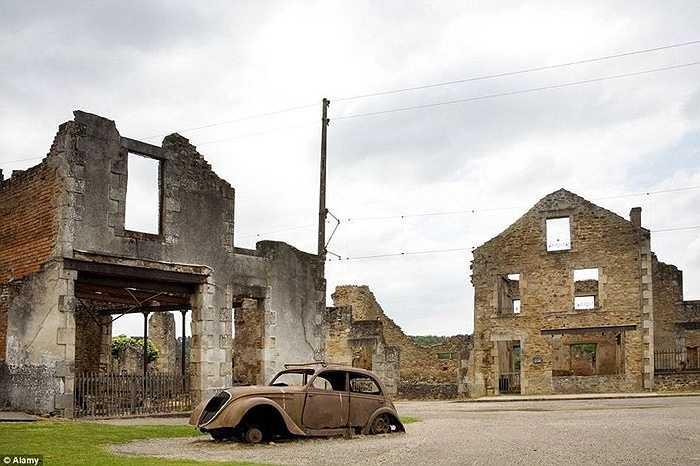 Một ngôi làng ở Pháp đã bỏ hoang từ năm 1942 sau khi hàng trăm người dân trong làng bị Quân đội Đức Quốc xã của Hít Le đàn áp