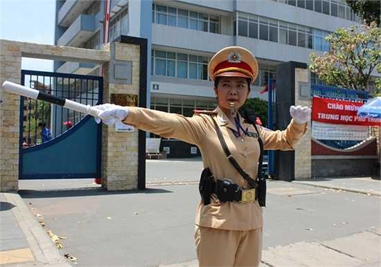 Phạm Quỳnh Trang cho biết, đây là năm thứ 2 tham gia đảm bảo giao thông trên các tuyến đường trong các kỳ thi quan trọng.