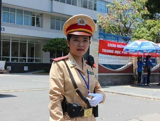 Trang cũng hi vọng mọi người tham gia giao thông sẽ có ý thức chấp hành tốt để kỳ thi diễn ra an toàn, tốt đẹp.