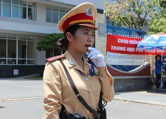 Trang làm việc không ngơi tay