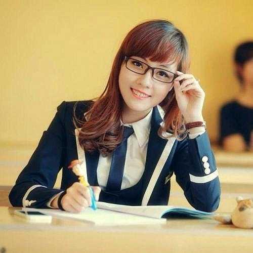 Cô hiện là nữ sinh năm 3 khoa tiếng Pháp, Đại học Ngoại ngữ (ĐHQG Hà Nội).