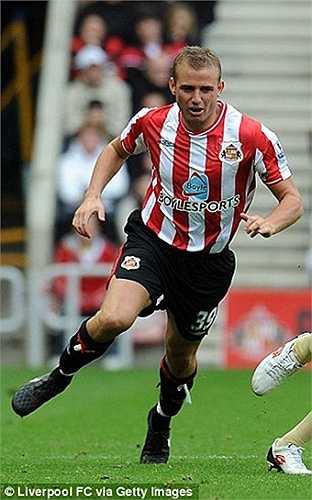 Biểu tượng của Sunderland, tiền vệ đánh chặn Lee Cattermole. Anh này đã chơi cho Mèo đen từ năm 2009
