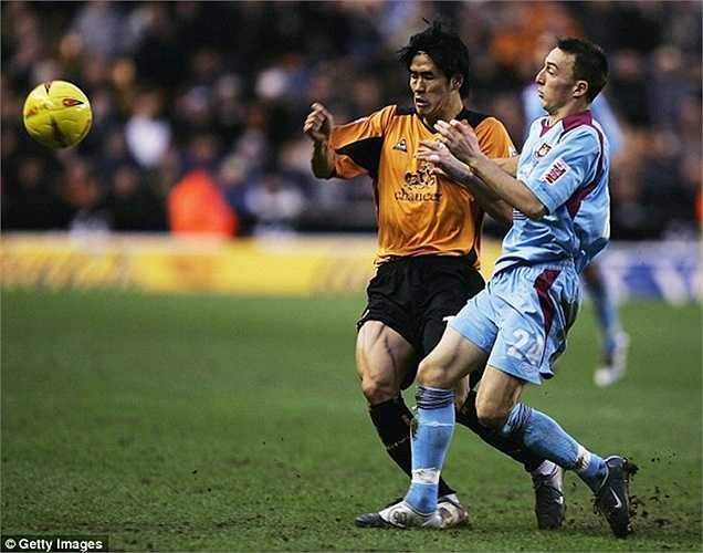 Tuy mới 28 tuổi nhưng Mark Noble đã chơi bóng cho West Ham từ năm 2004