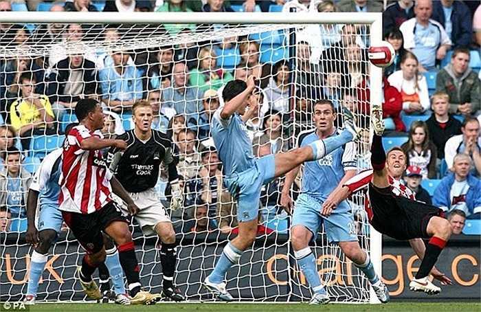 Xuất hiện trong đội 1 Man City từ năm 2006, kể từ đó đến nay Joe Hart vẫn đảm bảo được vị trí số 1