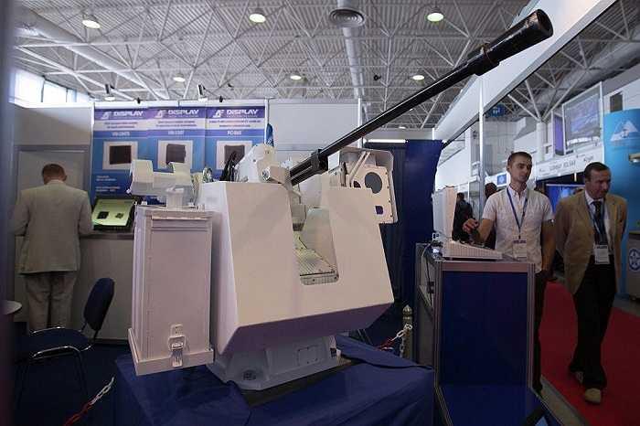 Khách tham dự triển lãm về lĩnh vực hải quân lớn nhất tại Nga
