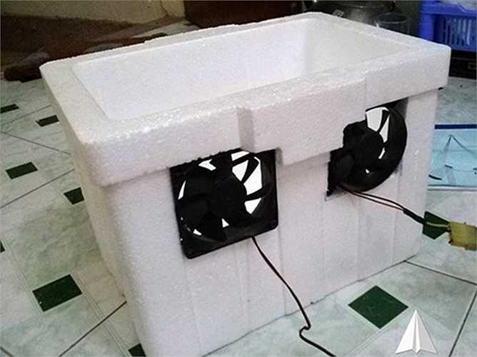 Tùy mục đích và để cho điều hòa tự chế gọn gàng, bạn có thể thay đổi vị trí đặt quạt và ống nhựa dẫn hơi lạnh.
