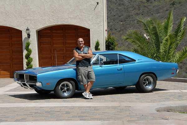 Bộ sưu tập khủng của Bill còn có nhiều loại xe khác như 1959 Chevy Biscayne, 1963 Dodge 330, 1965 Shelby Cobra replica, 1970 Pontiac Trans, Mustang Boss 429…