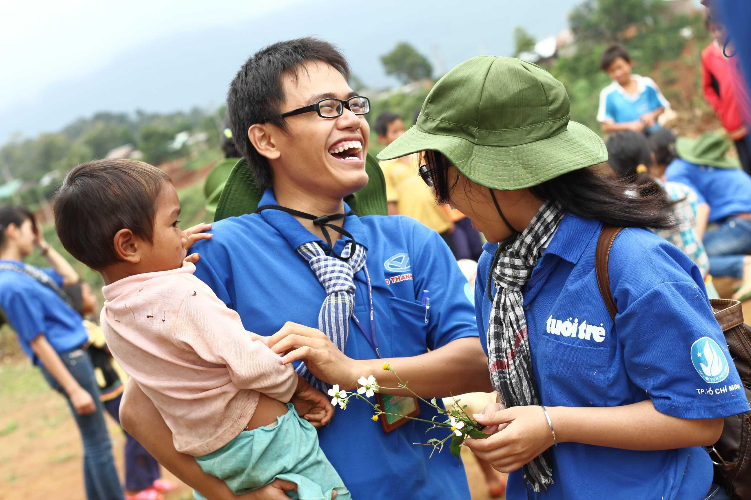 sinh viên tình nguyện