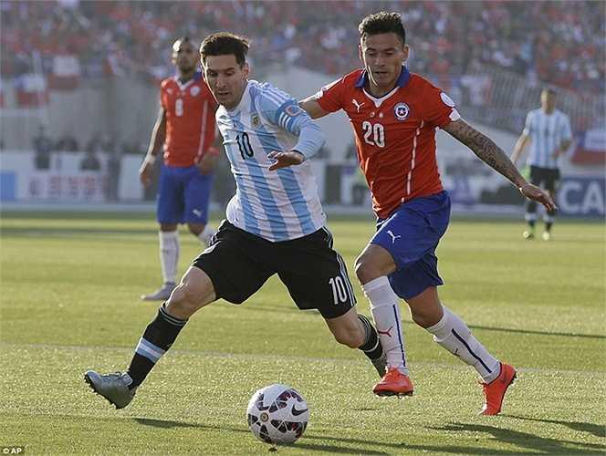 Thất bại trước Chile khiến cơ hội đoạt danh hiệu trong màu áo ĐTQG của Messi đặt trọn vào kỳ Copa America sang năm - 2016 - giải đấu được tổ chức bổ sung nhằm đúng dịp kỷ niệm 100 năm ngày bắt đầu