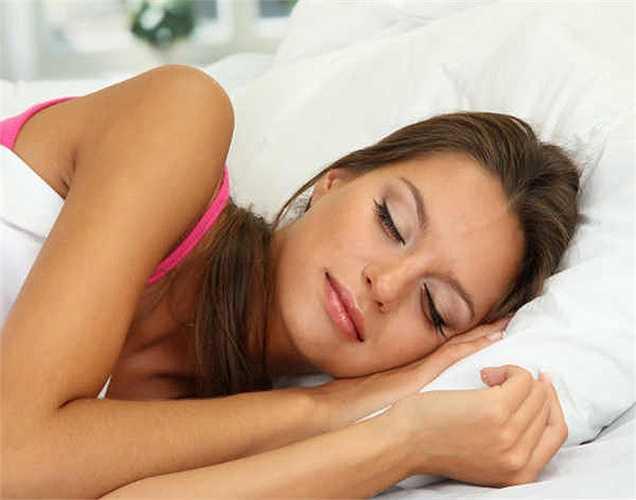 Ngủ ngon hơn:  Đi bộ sau khi ăn tối sẽ giúp tiêu hoá tốt và làm tăng tỷ lệ trao đổi chất. Vì vậy sẽ không có vấn đề ở dạ dày, bạn sẽ có được một giấc ngủ tốt hơn và lâu hơn.