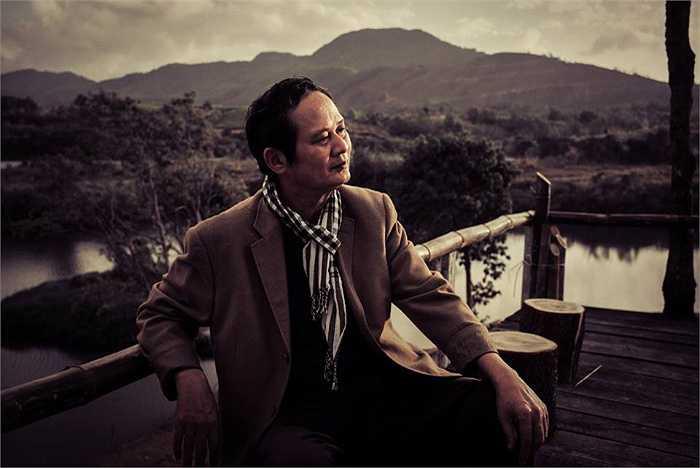 Những bức hình của nhạc sĩ An Thuyên được nhiếp ảnh gia Tô Thanh Tân ghi lại trong chuyến công tác gần đây nhất, vô tình trở thành những bức hình cuối cùng của người nhạc sĩ tài hoa trước khi về đất mẹ.