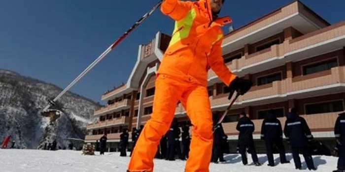2. Khu nghỉ dưỡng trượt tuyết Masikryong - khu nghỉ mát trượt tuyết đầu tiên của Triều Tiên, được xây dựng trên một lô đất lớn với diện tích 1.400 ha phía trên đồi Taehwa Peak, nằm ở gần thành phố cảng và căn cứ hải quân Wonsan. Sau 10 tháng xây dựng công trình này đã được đưa vào sử dụng vào đầu năm 2014.